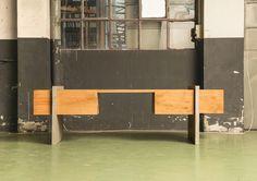 Attraverso - Sistema di 8 mobili in massello di rovere e mdf rivestito in cemento