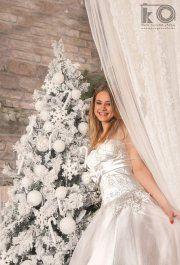 81d162073d 17 Best Menyasszonyi ruha fotózás images | Backyard, December, Garden