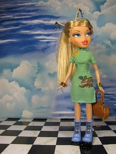 For Bratz, take larger seam allowances on Blythe patterns to make clothes that fit. - Doll's Ahoy