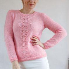 Купить или заказать Розовый пуловер из мохера в интернет-магазине на Ярмарке Мастеров. Пуловер с центральным узором. Тонкий, легкий, чуть пушистый. Весит 250 гр. Состав: 39% мохер, 11% нейлон, 50% микрофибра. Размер 44.
