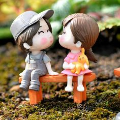 Mini PVC Couples Figurines Cute Boy and Girl Lovers Dolls for Home Dec – unscandy Cute Love Pictures, Cute Cartoon Pictures, Cute Love Cartoons, Cute Love Wallpapers, Cute Cartoon Wallpapers, Joker Wallpapers, Boy And Girl Cartoon, Boy Or Girl, Romantic Couples