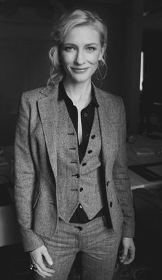 Cate Blanchett rocking a three piece suit Style Outfits, Mode Outfits, Fashion Outfits, Fashion Ideas, Fashion Clothes, Suit Fashion, Fashion 2017, Three Piece Suit, 3 Piece Suits