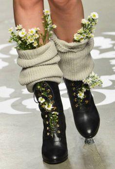 10) Mettete fiori nei vostri...anfibi!