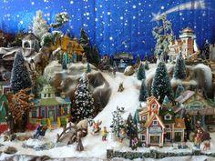 Ways display christmas village Christmas Village Display, Christmas Town, Christmas Minis, Christmas Villages, Christmas Carol, Rustic Christmas, Christmas Holidays, Christmas Crafts, Miniature Christmas