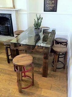Mesa de paletes e vidro