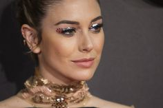 Blanca Suárez Most Beautiful Women, Piercing, Beauty Makeup, Pearl Necklace, Chokers, Make Up, Glamour, Pearls, Accessories
