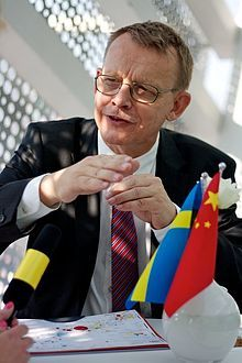 Hans Rosling (born 27 July 1948 in Uppsala, Sweden) is a Swedish medical doctor, academic, statistician and public speaker. He is Professor of International Health at Karolinska Institute[2] and co-founder and chairman of the Gapminder Foundation, which developed the Trendalyzer software system.