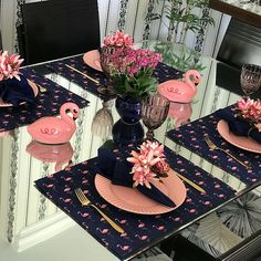 Pink and Navy Table setting Table Rose, Beautiful Table Settings, Decoration Table, Dining Decor, Dining Chairs, Table Arrangements, Deco Table, Dinner Table, Table Linens