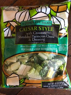 The salad kits at Trader Joe's go above and beyond the standard set that we see in most supermarkets. Trader Joes Salad, Salad Toppings, Salad Kits, Ceasar Salad, Cornbread Casserole, Food To Make, Meal Prep, Healthy Living, Cooking Recipes
