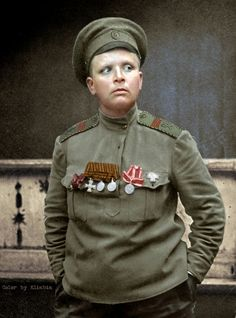 56 Incredible Colorized Photos That Revived 'Russia During WWI' ~ vintage everyday Imperial Army, Imperial Russia, World War One, First World, Ww1 Soldiers, Colorized Photos, War Image, Great Women, Soviet Union