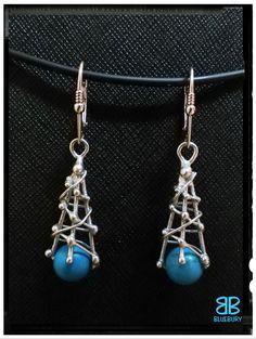 Tyrkysové náušnice - cínovaný šperk - korálky z pravého tyrkysu