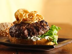 Killer Steak Burgers w/Black Pepper Mayo & Crispy OnionsPeppery mayo and crispy onions create tantalizing toppers for sauced-up burgers. Best Burger Recipe, Burger Recipes, Grilling Recipes, Roasted Onions, Crispy Onions, Onion Recipes, Beef Recipes, Recipies, French Fried Onions