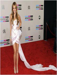Miley Cyrus' Toilet Paper Dress