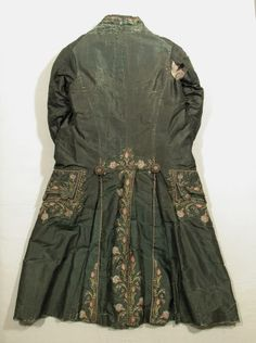 Coat  National Trust Inventory Number 1348792.1 Date1775 MaterialsGlazed cotton, Shot silk, Silk CollectionSnowshill Wade Costume Collection, Gloucestershire (Accredited Museum)