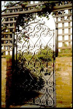 Trad gate