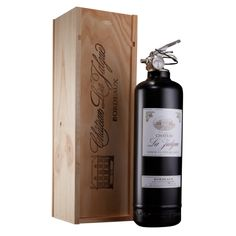 Fie extinguisher - French Wine with wood box