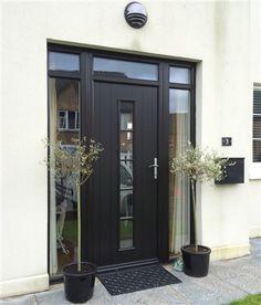 Unique Front Doors, Modern Entrance Door, Oak Front Door, Best Front Doors, Modern Exterior Doors, Contemporary Front Doors, Entry Doors With Glass, Front Doors With Windows, Upvc Windows