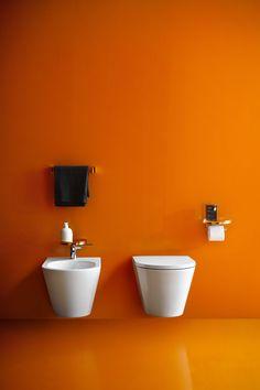 Mniej znaczy więcej. Nowa bezkołnierzowa miska WC wykonana w technologii Rimless łączy w sobie trzy nadrzędne cechy – funkcjonalność, oszczędność i komfort użytkowania.