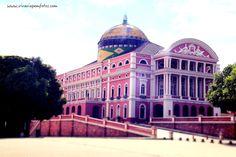 O Teatro Amazonas esta localizado no largo de São Sebastião, no centro de Manaus, capital do Amazonas. O teatro, inaugurado em 1896, é a expressão mais significativa da riqueza de Manaus durante o Ciclo da Borracha.