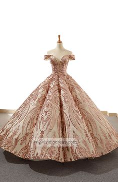 Off Shoulder Prom Gowns Emerald Green Quinceanera Dresses – Viniodress Vintage Ball Gowns, Lace Ball Gowns, Ball Gowns Prom, Ball Gown Dresses, 15 Dresses, Quince Dresses, Vintage Dresses, Formal Dresses, Cinderella Quinceanera Dress