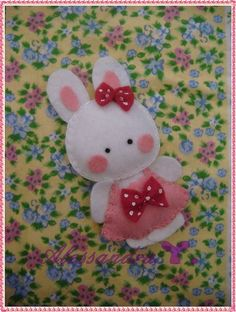 Felt Bunny (other cute felt projects here too) by serena