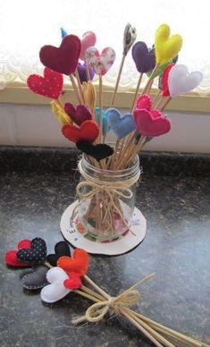 50 romantic valentine diy and crafts ideas Valentines Day Decorations, Valentine Day Crafts, Diy For Kids, Crafts For Kids, Diy And Crafts, Paper Crafts, Fabric Hearts, Lavender Bags, Felt Hearts