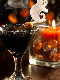 black martini. 2-1/2 oz. Black Vodka (it's a thing) 1/2 oz. Blackberry Brandy 1 Olive Directions: Combine liquid ingredients in a cocktail shaker filled with ice. Shake for fifteen seconds. Strain into a well chilled martini glass or serve on the rocks in an old-fashioned glass. Garnish with skewered black olives.