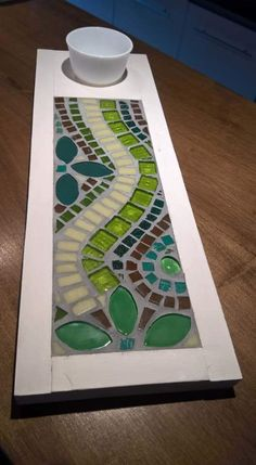 Best 12 Attractive tray for serving veggies or pretty much anything. Mosaic Tile Designs, Mosaic Tile Art, Stained Glass Designs, Mosaic Patterns, Mosaic Glass, Glass Art, Tile Crafts, Mosaic Crafts, Mosaic Projects