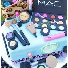 MAC Bday cake, amazing!!