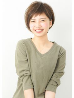 Pin on 美容院 Pin on 美容院 Short Hair With Bangs, Haircuts With Bangs, Short Bob Hairstyles, Short Hair Cuts, Cool Hairstyles, Shot Hair Styles, Hair Inspo, Medium Hair Styles, Hair Trends