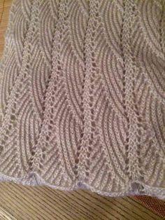 Hand Knitting Women's Sweaters Crochet Blanket Edging, Crochet Rug Patterns, Crochet Designs, Knitting Designs, Stitch Patterns, Hat Crochet, Ladies Cardigan Knitting Patterns, Baby Knitting Patterns, Knitting Stitches