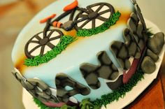DoodlePie Cakes: Mountain Bike Cake