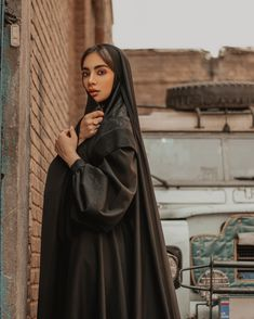 Persian People, Persian Girls, Cute Girl Face, Cute Girl Photo, Beautiful Girl Image, Beautiful Hijab, Beautiful Pictures, Arab Girls, Muslim Girls