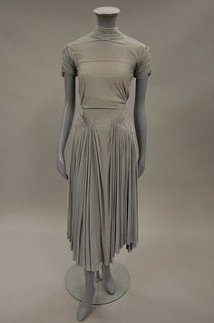 A Madame Grès couture dove-grey silk jersey gown, early 1940s Front