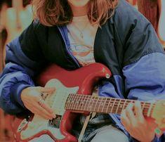 𝖎𝖘𝖆𝖇𝖊𝖑𝖑𝖆 ✧・゚: * - stuff - music Music Aesthetic, Aesthetic Grunge, Aesthetic Vintage, Aesthetic Girl, The Last Summer, Guitar Girl, Mo S, Jolie Photo, Looks Cool