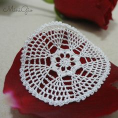 One Miniature crochet white doily handmade with viscose embroidery thread and a tiny hook. This doily will give a romantic touch to you dollhouse, perfect for 1:12 scale, the stitches are so small that it can also be used in 1:24 scale. It has a diameter of 4.3 cm (1 5/8 inches). Each doily