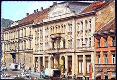 Széchenyi tér, Nádor Szálló és jobbra a Mecsek Cukrászda egy 1978-ban