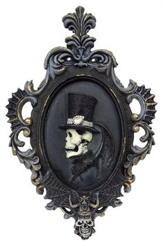Halloween Decorations for the yard, home and office at Traditions Year-Round Holiday Store. Male Vampire, Bohemian Bedroom Decor, Gypsy Decor, Mode Steampunk, Victorian Frame, Vintage Halloween Decorations, Halloween Ideas, Gothic Culture, Holiday Store