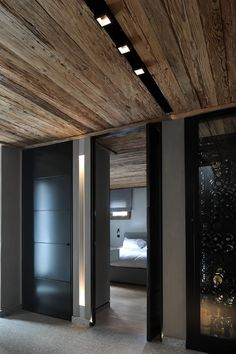 90 Best Modern Ceiling Design for Home Interior Doors Interior, Wooden Ceiling Design, House Design, Interior Design, House Interior, Ceiling Design Modern, Wood Doors Interior, House Ceiling Design, Interior Architecture