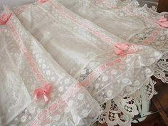 ピンクリボン・刺繍レース - イギリスとフランスのアンティーク | 薔薇と天使のアンティーク | Eglantyne(エグランティーヌ)