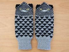 cat mittens. maybe you like these better than hedgehogs @Tarina Anthony?