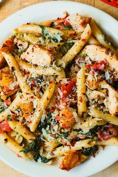 Chicken and Bacon Pasta with Spinach and Tomatoes in Garlic Cream Sauce – deli. Chicken and Bacon Pasta with Spinach and Tomatoes in Garlic Cream Sauce – delicious creamy sauce perfectly blends together all the flavors: bacon, garlic, spices, tomatoes. Italian Recipes, New Recipes, Cooking Recipes, Healthy Recipes, Spinach Pasta Recipes, Healthy Meals, Easy Recipes, Most Popular Recipes, Healthy Dishes
