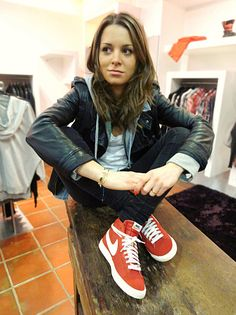 Nikes w/ leather jacket and black jeans! Love this outfit!