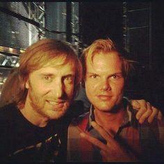 David Guetta y Avicii. David Guetta, Ray Charles, French Dj, Tim Bergling, Reggae Music, Trance Music, Universal Music Group, Dj Tattoo, Angels On Earth