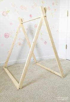 DIY A Frame Tent - Bauernhaus Indoor Style Kids Camping Zimmer - - DIY A Frame Tent – Bauernhaus Indoor Style Kids Camping Zimmer Kinderwelt DIY A Frame Zelt – Bauernhaus Indoor Style Kinder Camping Zimmer Diy Tipi, Diy Teepee Tent, Bed Tent, Diy Cat Tent, Tent Room, A Frame Tent, Diy Frame, Camping Room, Tent Camping