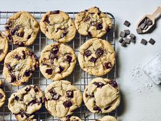 brown cookies on white ceramic plate photo – Free Biscuit Image on Unsplash