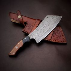 🎁Auction🎁 Diamond cut Beautiful Custom made Damascus Steel Chef/BBQ Chef Cleaver .Place your bid in comment section . 🔥Overall length: inches 🔥Handle: Brown and Black mikarta 🔥Blade: Forged 1095 Damascus steel Damascus Steel, Damascus Chef Knives, Damascus Knife, Forged Knife, Cool Knives, Knives And Swords, Trench Knife, Cleaver Knife, Best Pocket Knife