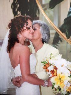 "Melissa B Schooling on Twitter: """"#Happy #MothersDayto my #Beautiful #Mom ❤️🙌🏾😘💫🥂"" we shall #celebrate in the flesh soon!!! 😙#loveYouMom https://t.co/Uyme1gsTPj"""