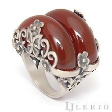 Jade Jewelry, Jewelry Rings, Jade Ring, Hanfu, Diy Necklace, Ring Designs, Hair Pins, Antique Jewelry, Korean Fashion