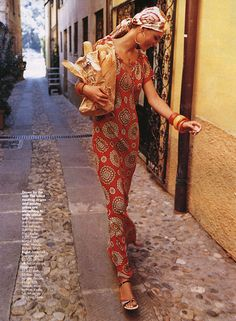 Head scarf and maxi dress style from 2001 that I will be sporting this summer. Everything old is new again.